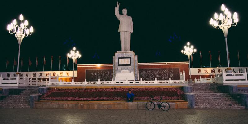 【外地遊記】<br>當單車在夜裡的麗江古城時… 【外地遊記】<br>當單車在夜裡的麗江古城時... 【外地遊記】當單車在夜裡的麗江古城時… 130630 213300