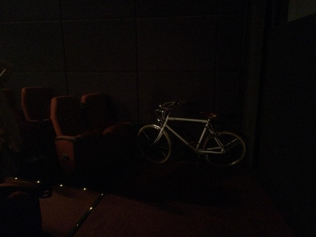 IMG_9997  城市單車生活點#002。MCL 戲院 IMG 9997