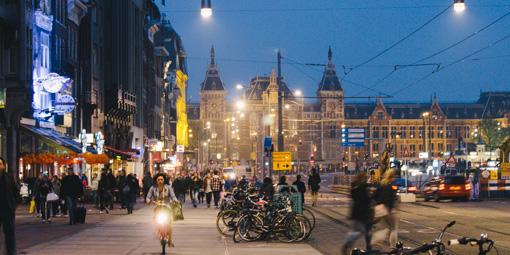 轆轆遊遊。阿姆斯特丹篇 // 夜踩運河與酒吧街  轆轆遊遊。阿姆斯特丹篇 // 夜踩運河與酒吧街 140430212632