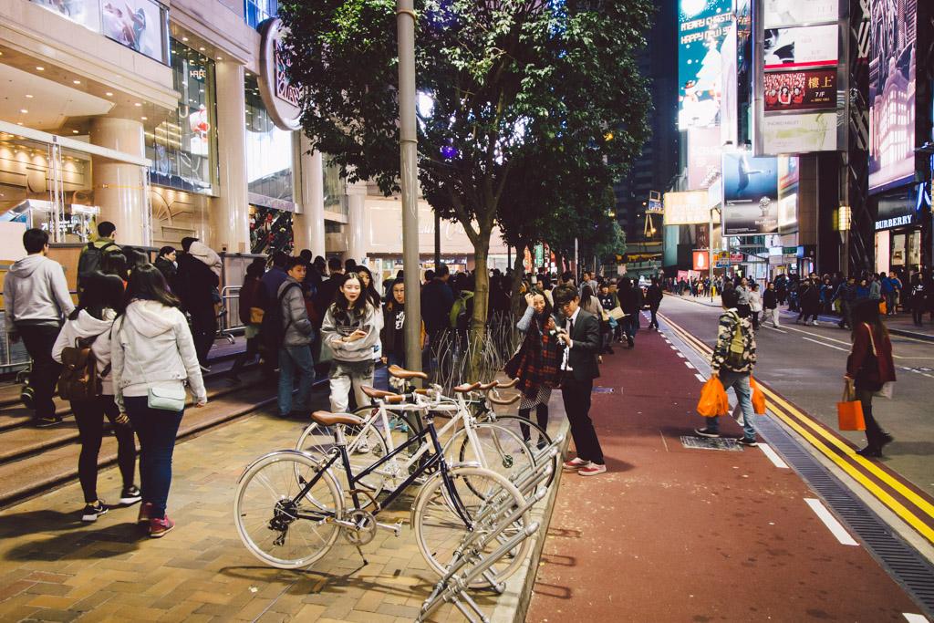 《假如讓我泊下去》﹣香港市區單車位的幻想影集 150103 183412