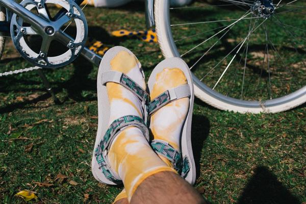 髦民士多 bike the moment store kacama 染襪  [5月工作坊] 穿自己用洋蔥皮染的襪子去踩單車才是有型的事 P4150874
