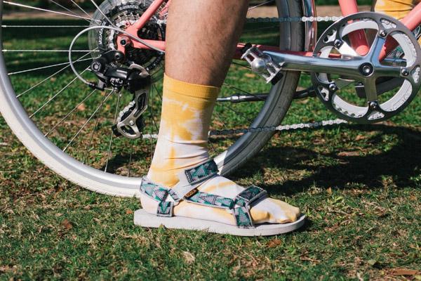 OLYMPUS DIGITAL CAMERA  [5月工作坊] 穿自己用洋蔥皮染的襪子去踩單車才是有型的事 P4150883