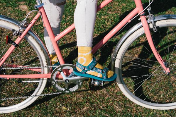 髦民士多 bike the moment store kacama 染襪  [5月工作坊] 穿自己用洋蔥皮染的襪子去踩單車才是有型的事 P4150899