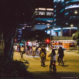 大家準備過這個3秒紅綠燈  8月單車週末夜 140705 203022 260x260