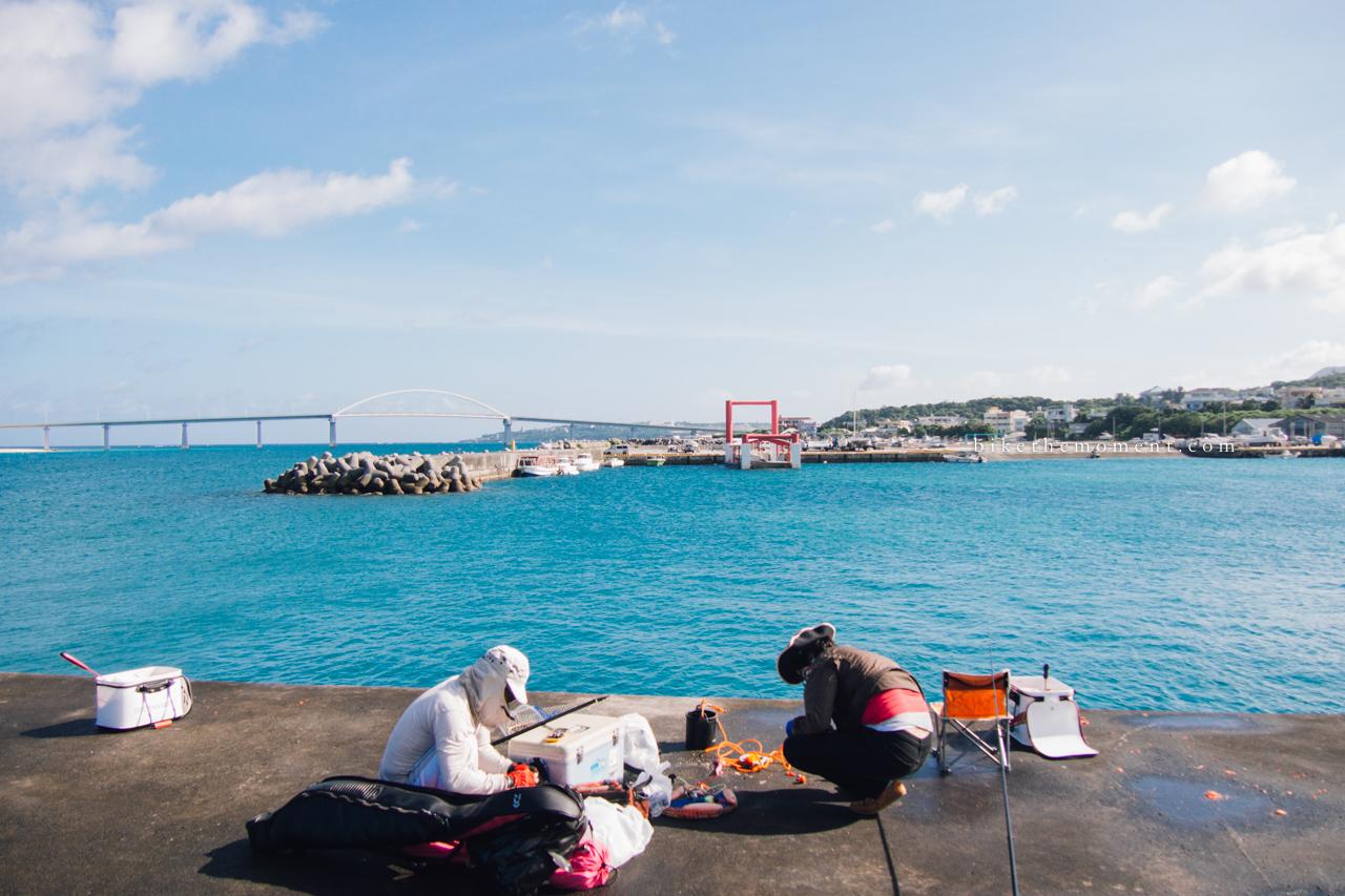 本部町 沖繩 okinawa motobu bike the moment 本部港 髦民沖繩遊記#01。本部港の燈塔 Motobu Port Lighthouse 160712 073548