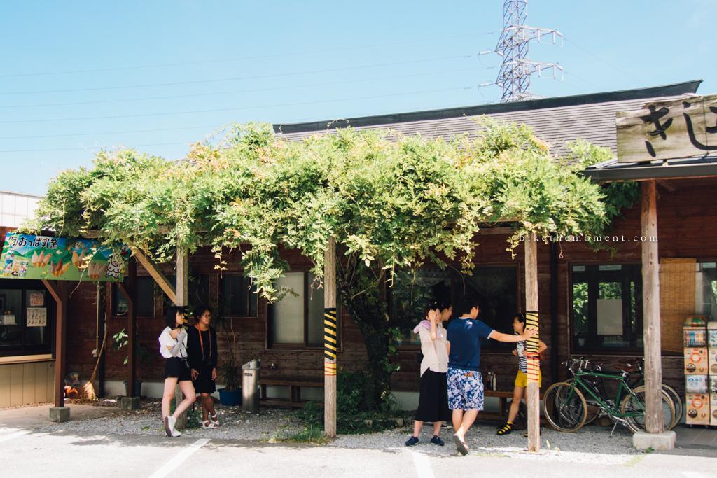 本部町 沖繩 岸本食堂 okinawa motobu Kishimoto bike the momentAL CAMERA 岸本食堂 髦民沖繩遊記#03。如何100年來只做兩款菜式?八重岳下的岸本食堂 Kishimoto Shokudo 160712 100312