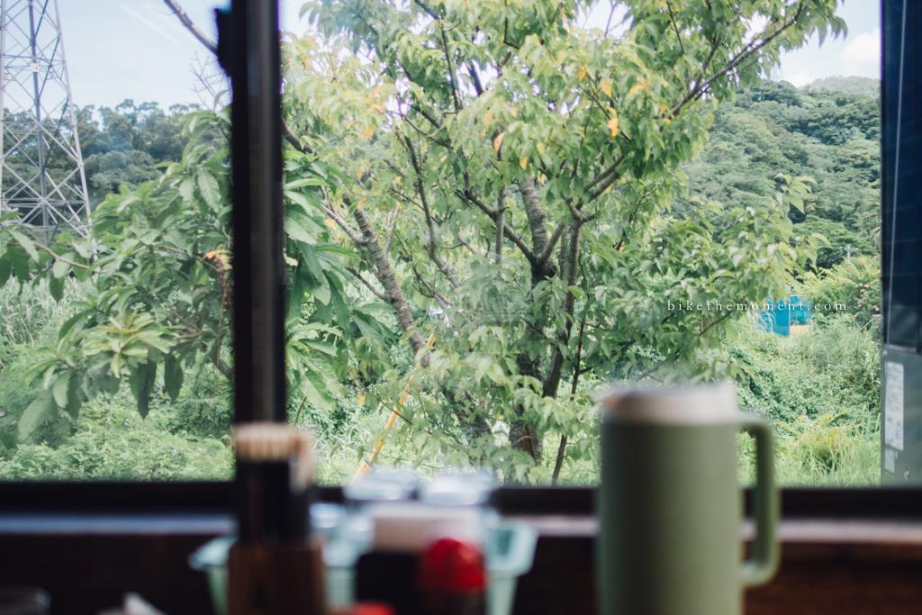 本部町 沖繩 岸本食堂 okinawa motobu Kishimoto bike the moment 岸本食堂 髦民沖繩遊記#03。如何100年來只做兩款菜式?八重岳下的岸本食堂 Kishimoto Shokudo 160712 101259
